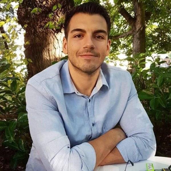 Освен с левкемията Димитър от Пловдив води битка и с COVID-19, да му помогнем