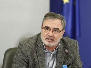 Кунчев: Ще препоръчам забавяне на разхлабването на мерките