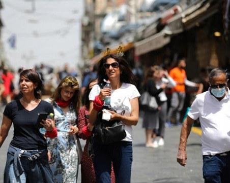Израел отмени носенето на маски на открито