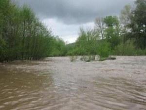 Заради дъждовете: Има опасност от наводнения през нощта