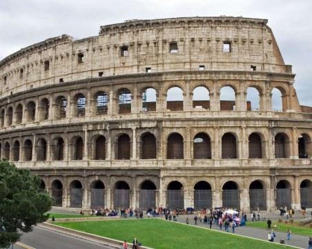 На този ден: Основани са две световни столици, родена е кралица Елизабет II