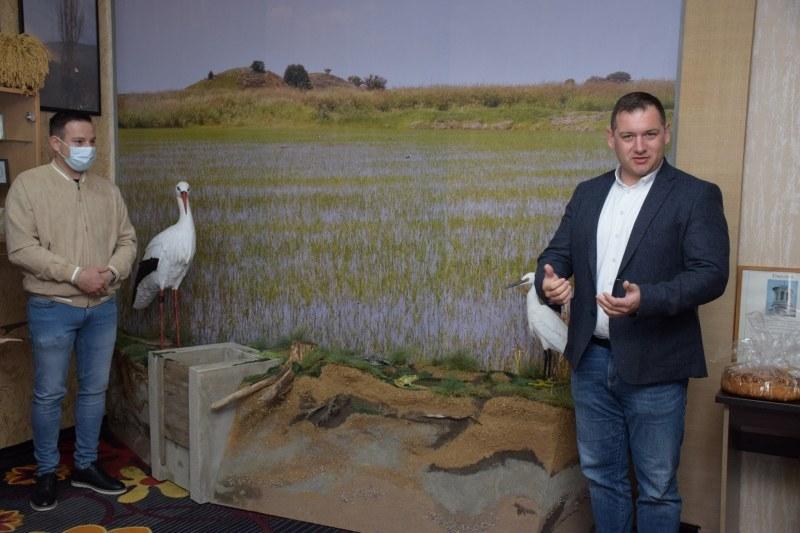 Нова атракция в Белозем - макет на щъркели в естествена среда