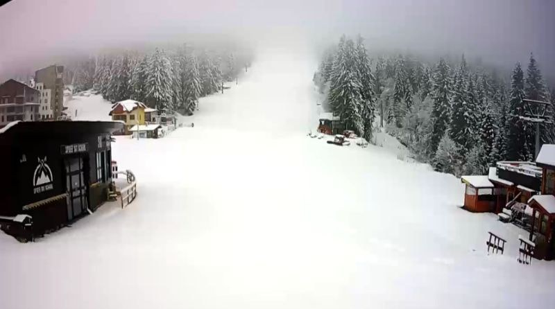 Снежна приказка на Пампорово! 20 см сняг натрупа през нощта