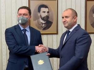 Президентът връчи проучвателния мандат на Даниел Митов за съставяне на правителство