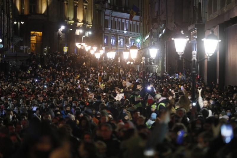 Десетки хиляди излязоха на протест в подкрепа на Навални, над 1000 са задържани
