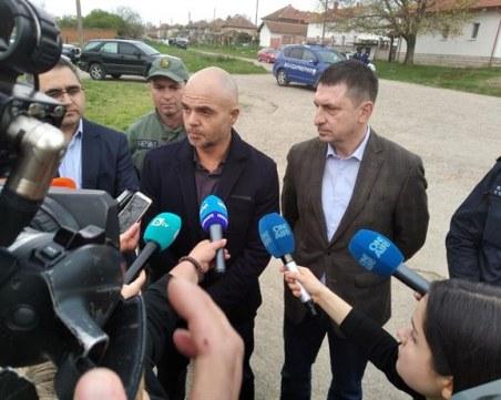 Ивайло Иванов: Имаше опасност барикадиралият се мъж да вземе майка си за заложник