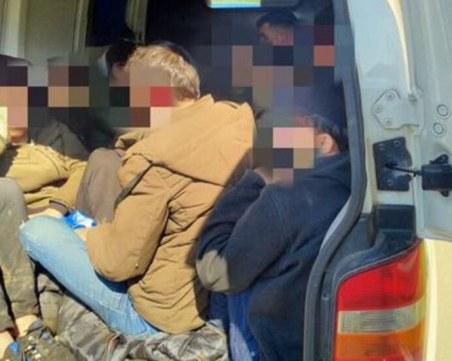 Арестуваха трафикант край Бургас! Превозвал нелегални сирийци