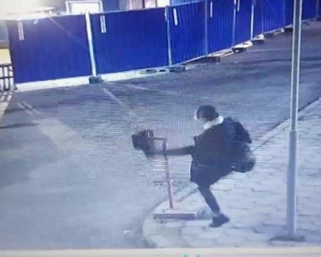 Младеж потроши бариера на НКЖИ, заради отменен купон