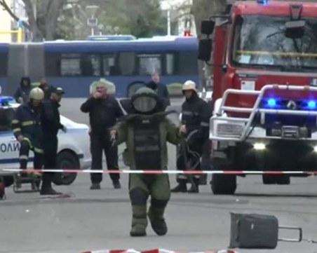 Съмнителен куфар и сапьори в центъра на Бургас, районът е отцепен