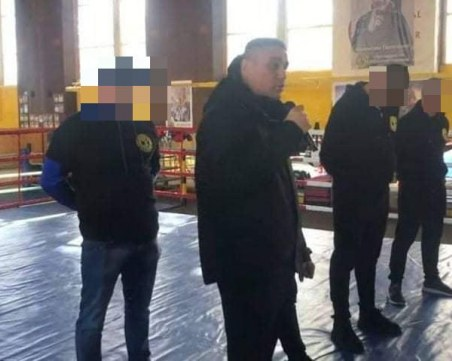 Пускат срещу 7 бона гаранция арестувания с марихуана до Гребната лидер на Centrum crew