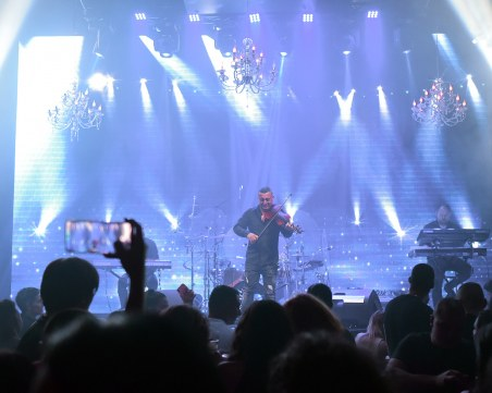 Фурор! Стотици пловдивчани купонясваха в новооткрития лайв клуб на Пловдив