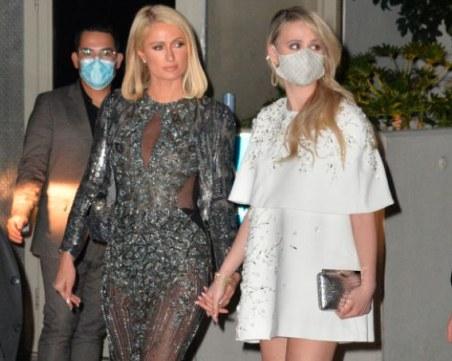 О, Холивуд! Мария Бакалова под ръка с Парис Хилтън на партито на Оскарите