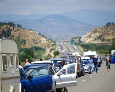 """Първото """"голямо пътуване"""" за 2021-а , опашки се извиха на границата с Гърция"""