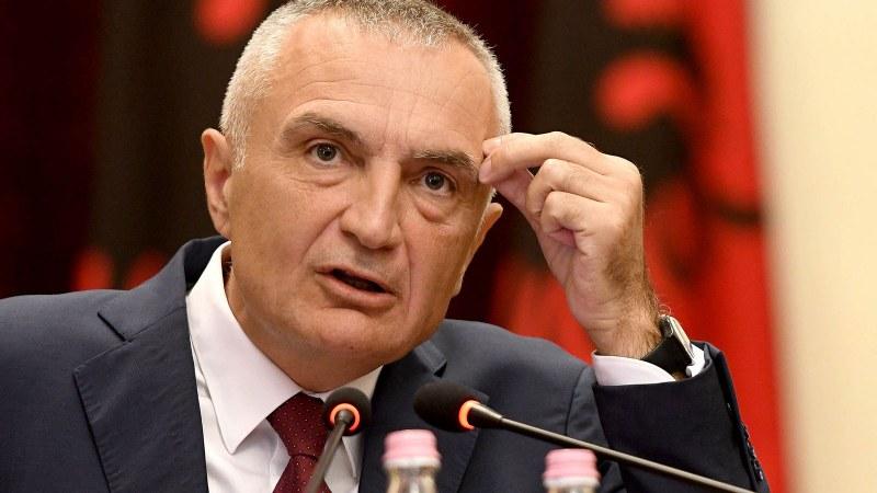 Събират подписка за свалянето на президента на Албания