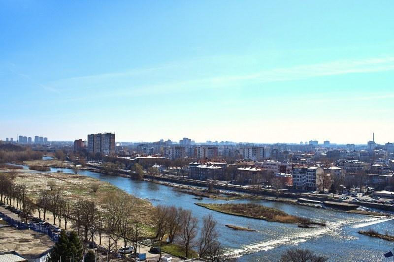 Топло време днес в Пловдив