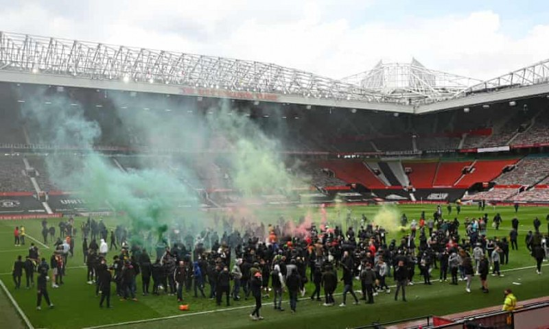 Юнайтед може да загуби точки след ексцесиите снощи