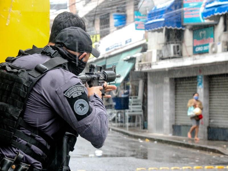 Тийнейджър уби петима души с мачете в детска градина в Бразилия