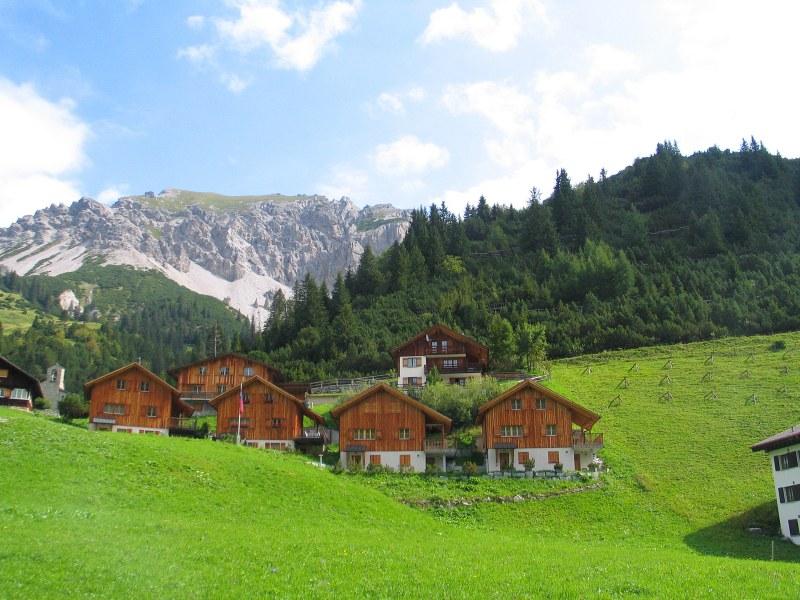 Отпада карантината за българи, пристигащи в Швейцария и Лихтенщайн