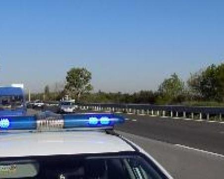 Тежка катастрофа: Кола се удари челно в самосвал край София, един е загинал