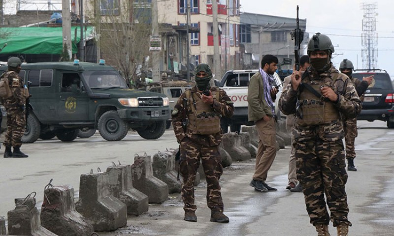 Най-малко 25 убити при бомбен атентат близо до училище в Кабул