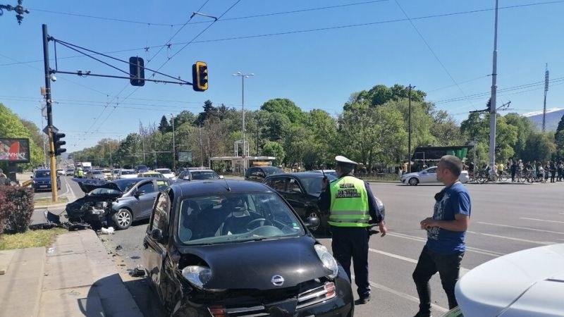 Тежка катастрофа с ранен в София
