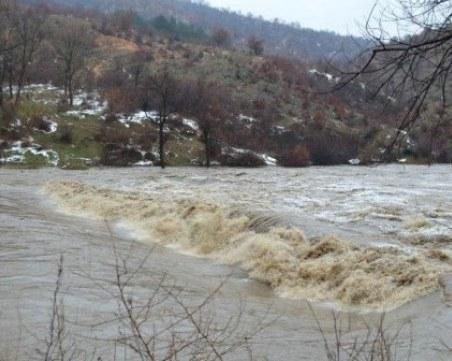 19-годишна шофьорка се приземи в река в Родопите