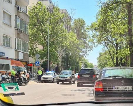 Катастрофа на пловдивски  булевард, линейка е на мястото