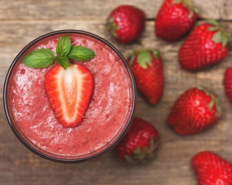 Здравословно и вкусно: Смути с ягоди и авокадо