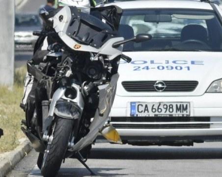 БМВ отнесе мотор в Кючук Париж, 47-годишен пловдивчанин е със счупен глезен