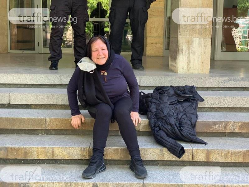 Майката на една от жертвите в мелето на Околовръстното ридае неудържимо пред съда