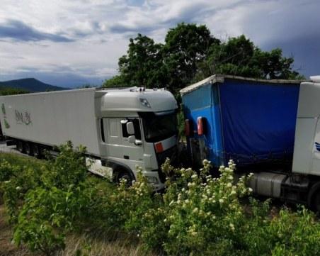Още една жертва от тежката катастрофа между два тира и лека кола на пътя Монтана – Видин