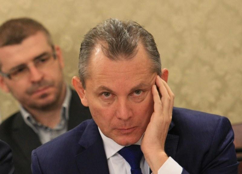 Шефовете на ДАНС и разузнаването са в неплатен отпуск до септември