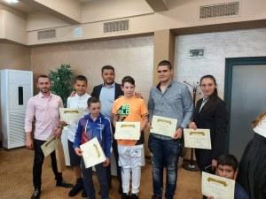 """Кметът на община """"Родопи""""  връчи грамоти на изявени спортисти"""