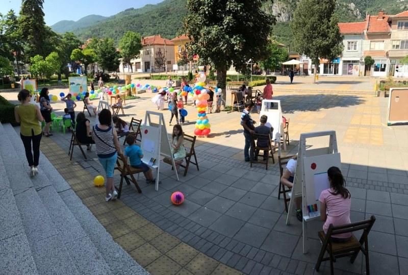 Многофункционална спортна площадка и нов детски кът изграждат в Кричим