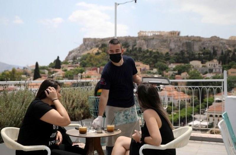 Въвеждат локални локдауни в Гърция, ако пламне огнище