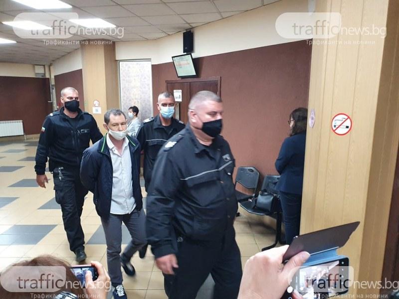 Двойният убиец Йордан Таков не признава вина, близките на баща и син Ботеви искат 1,5 милиона