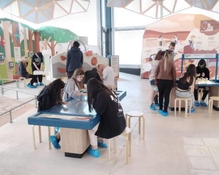 Преподаватели от Художествената гимназия редят изложба в Пловдив