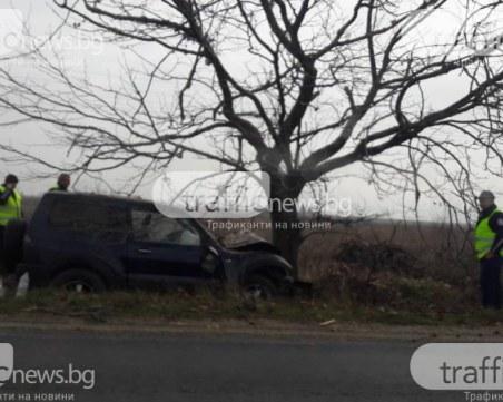 68-годишен мъж заби колата си в дърво, загина на място