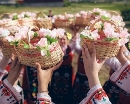 Карлово отбелязва традиционния Празник на розата
