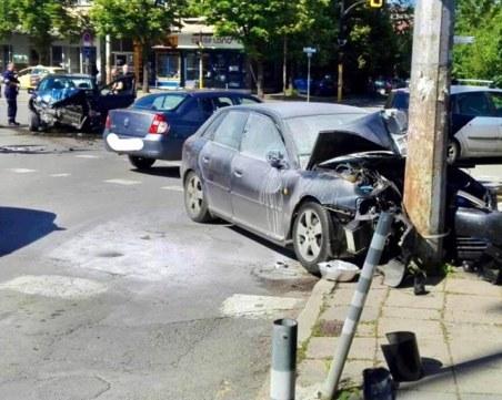 Петима абитуриенти пострадаха при катастрофа в София