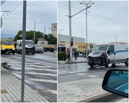Отново меле в Пловдив: Бус и три коли се помляха на Кукленско шосе
