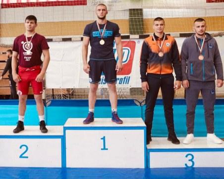 Пловдивски борец стана републикански шампион по борба