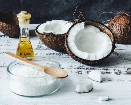 Запушва ли порите кокосовото масло?