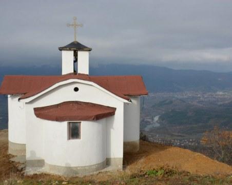 Спипаха апаш, отмъкнал кутия за дарения от параклис