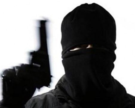 Тримата въоръжени и маскирани обирджии от Варна се оказаха непълнолетни