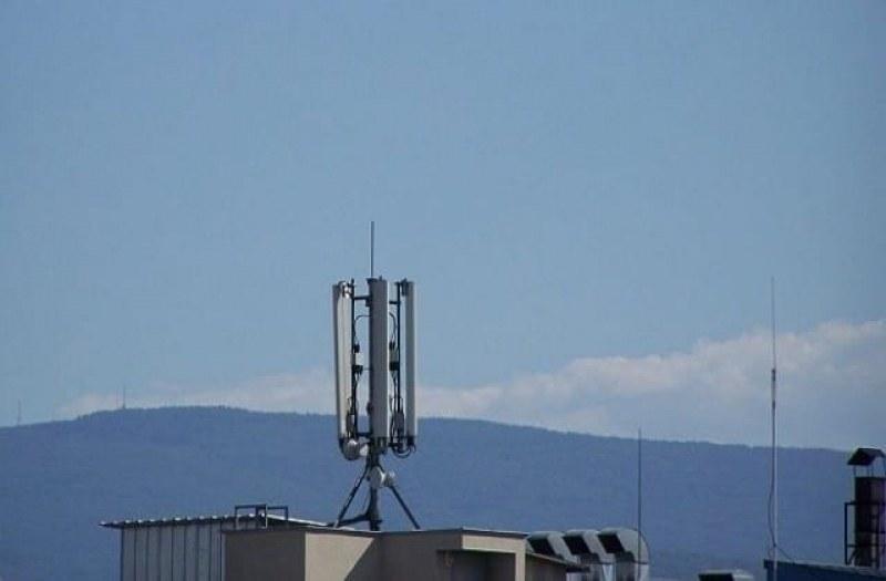 Асеновград стои без обхват на мобилни оператори, никой не знае защо