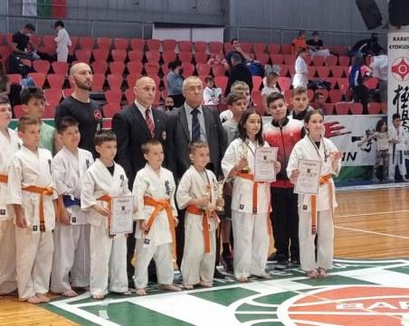 Пловдивчани се върнаха с медали от Държавно първенство по Карате