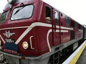 Бързият влак от София за Бургас замина от гара Сливен със 125 минути закъснение