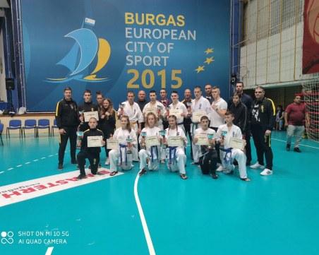 Пловдивски каратеки се върнаха с пет златни медала от Бургас