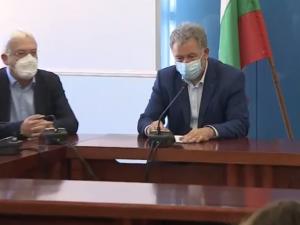 Различни цени за лечение на млади, стари, болни и здрави - това предлага здравният министър Кацаров
